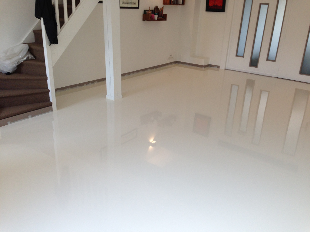 Joint carrelage resine epoxy maison design for Joint carrelage piscine